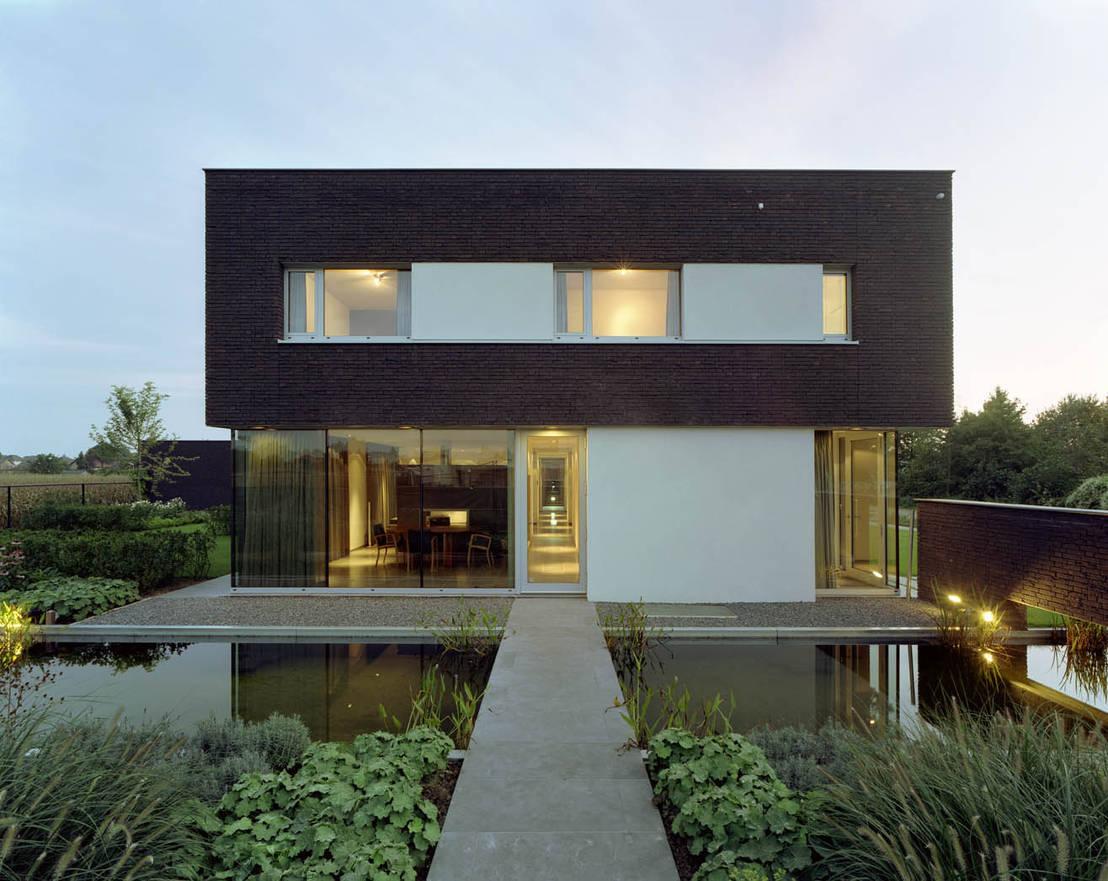 moderne villa mit coolen ideen. Black Bedroom Furniture Sets. Home Design Ideas
