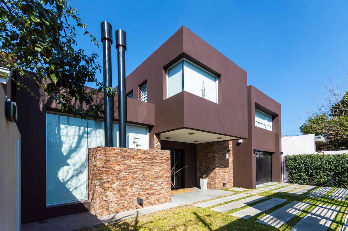 8 formas de dar color a la fachada de tu casa for Fachada de casas modernas estilo oriental