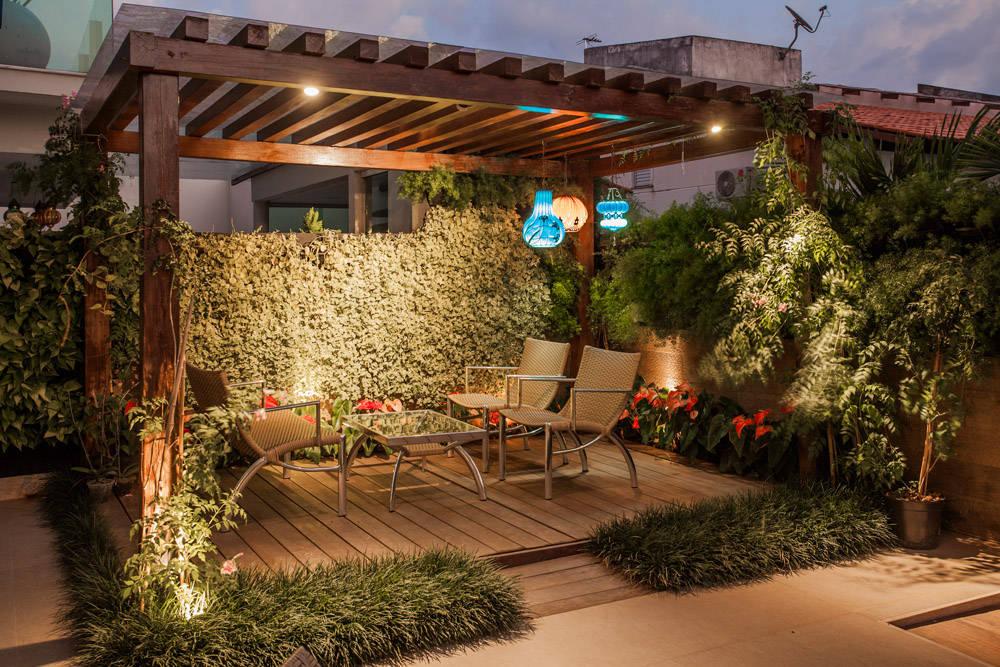 7 ways to make your small patio look bigger for Imagenes de terrazas