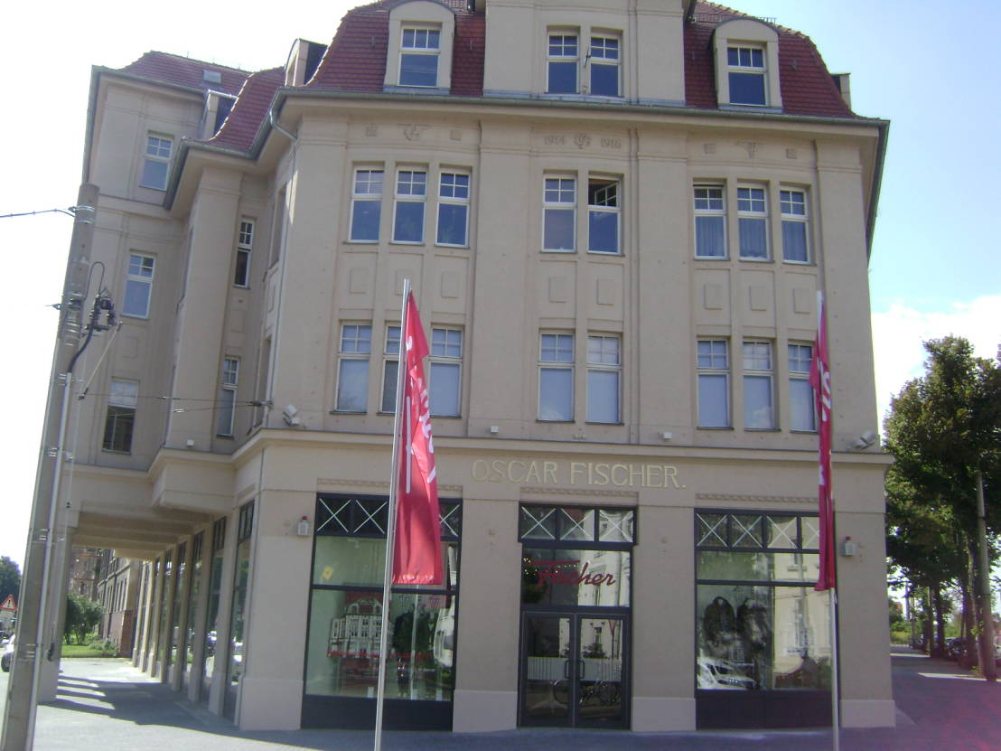 wohnzimmer bar darmstadt:Modehaus Fischer Tauch von Peters Bodenbeläge