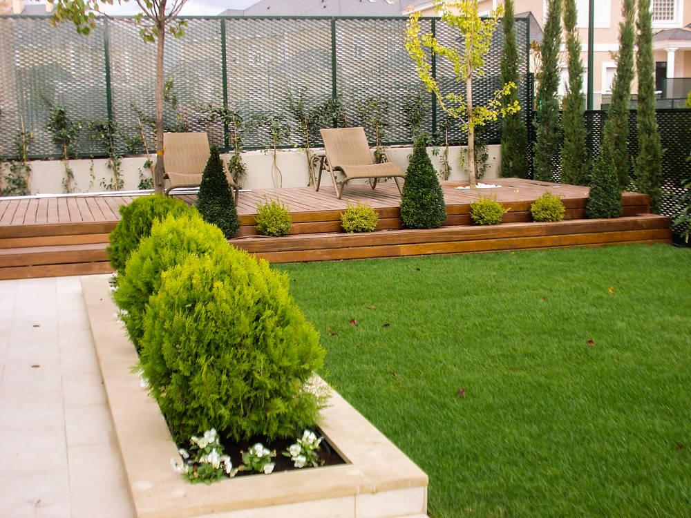 15 jardineras que se ver n preciosas en patios peque os for Jardineras para patios pequenos