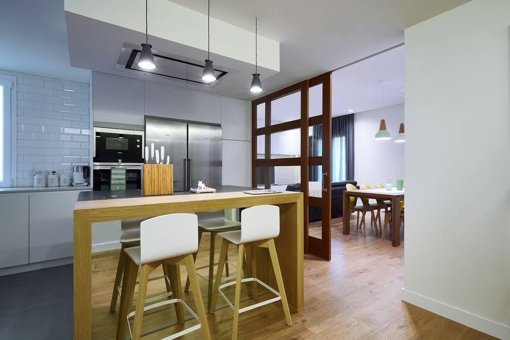 10 dise os de zoclos para que tus paredes se vean perfectas for Bar casa minimalista