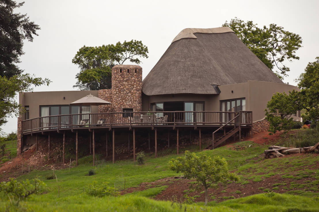 This Thatched Roof Durban Home Has An Amazing Modern Interior