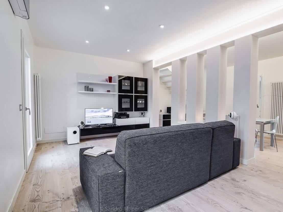 Un appartamento moderno a treviso con tante idee per for Un garage per auto con appartamento