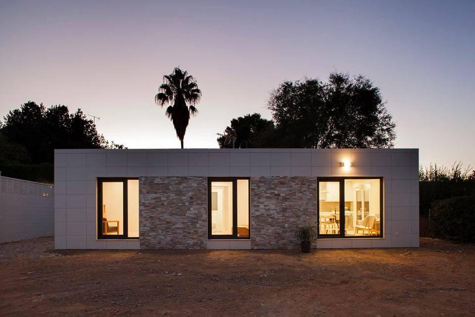 Una casa modelo prefabricada y a medida for Libro medidas de una casa