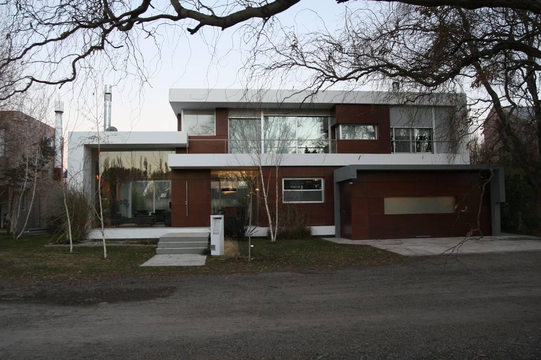 Casa og by poggi schmit arquitectura homify Home bar furniture ct