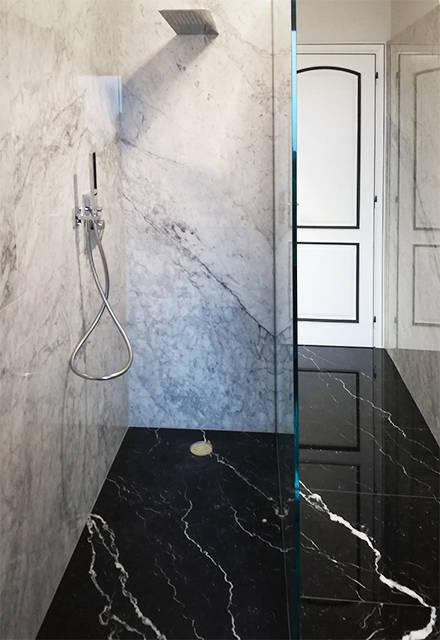 Scala In Marmo Nero bagno in marmo bianco di carrara e nero marquinia di