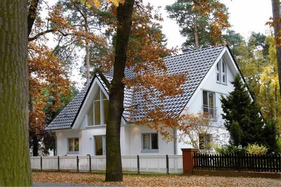 Fassadenfarbe farbpalette  Die perfekte Farbpalette für die Hausfassade
