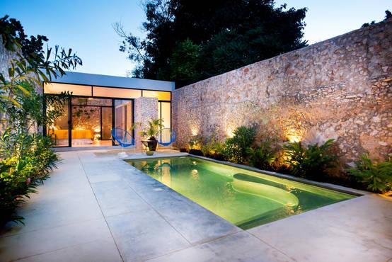 9 ideas para iluminar patios modernos for Patios modernos