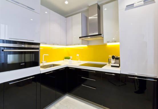 10 fantastici esempi per i colori della cucina - Colorare ante cucina ...