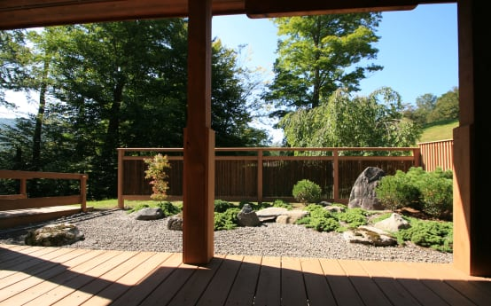 What materials can be used for garden fences?
