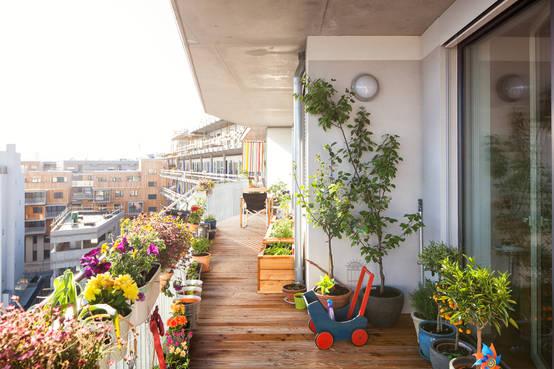 was auf dem eigenen balkon erlaubt ist und was du auf. Black Bedroom Furniture Sets. Home Design Ideas