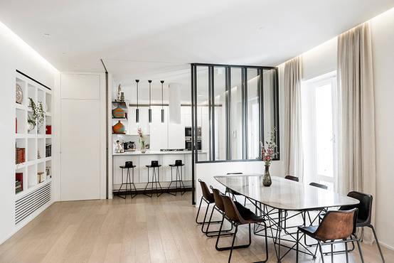 8 appartamenti che dividono perfettamente cucina e soggiorno for Arredare piccolo soggiorno pranzo