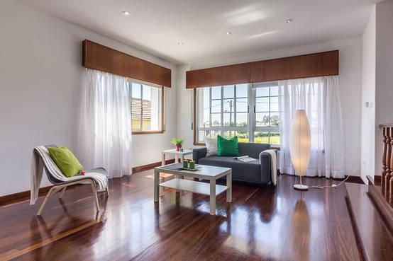 moradia luminosa por 300 000 euros. Black Bedroom Furniture Sets. Home Design Ideas