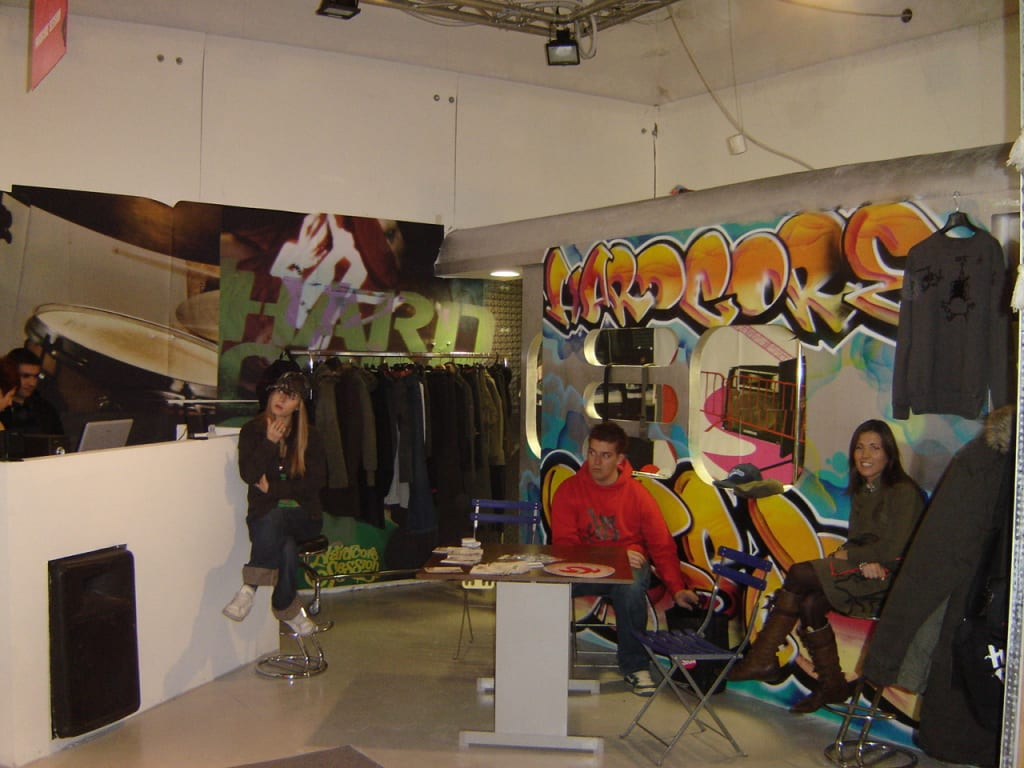 Stand hardcore session per pitti immagine uomo for Negozi industrial