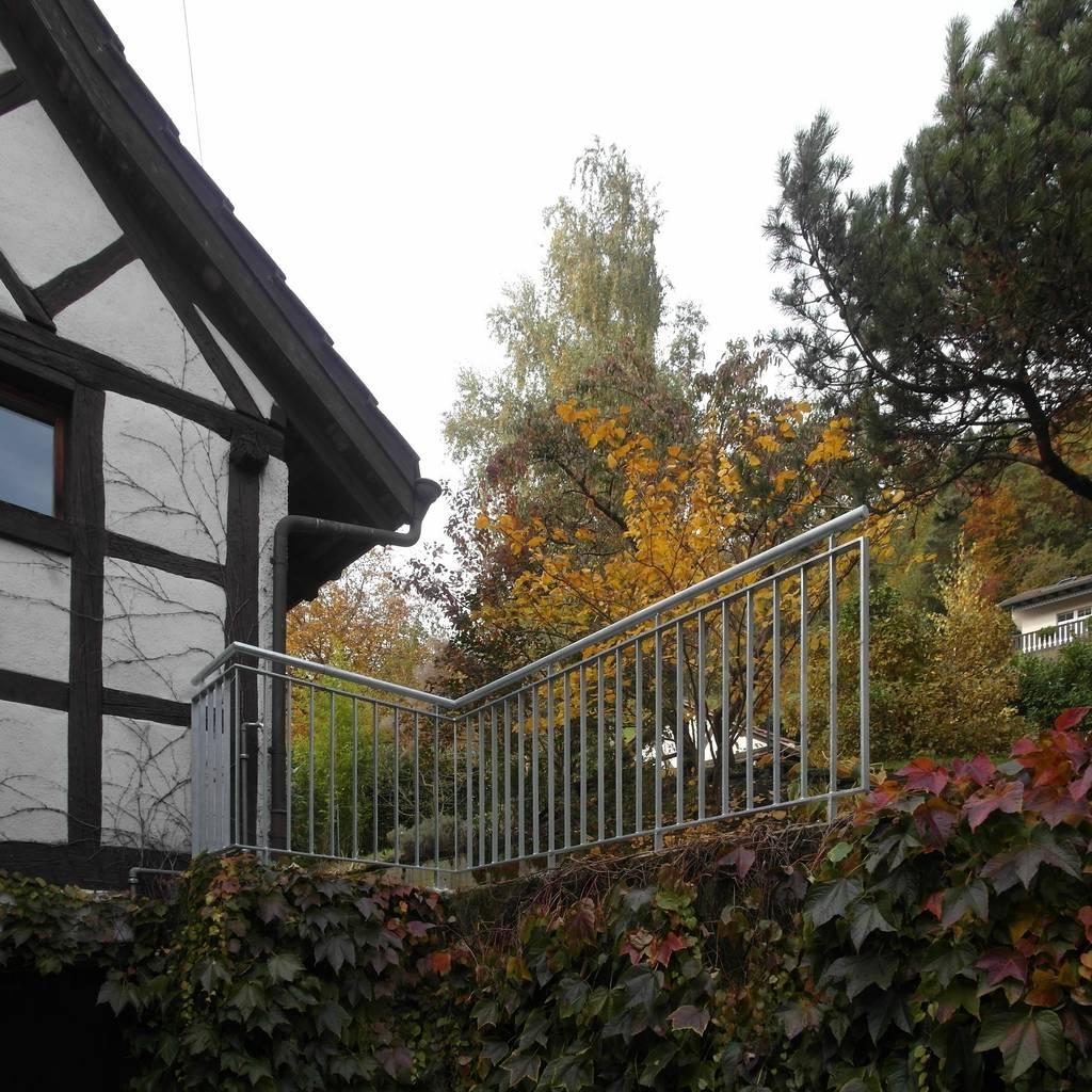 terrassenabschluss neu: terrasse von schönenberger architektur