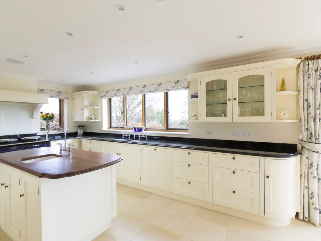 Interior design ideas redecorating remodeling photos for Kitchen ideas guildford
