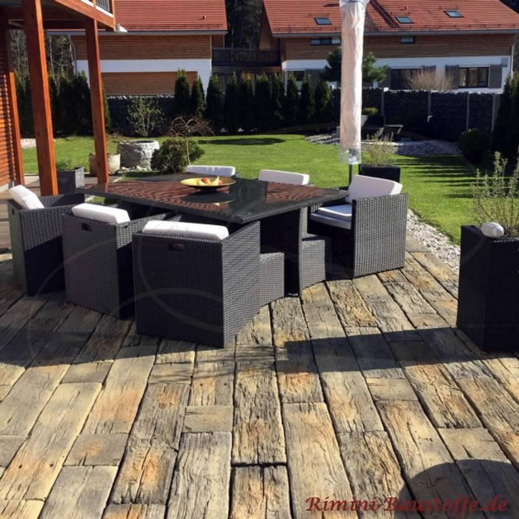 Sonnige Terrasse Mit Holznachbildung Terrasse Von Rimini Baustoffe