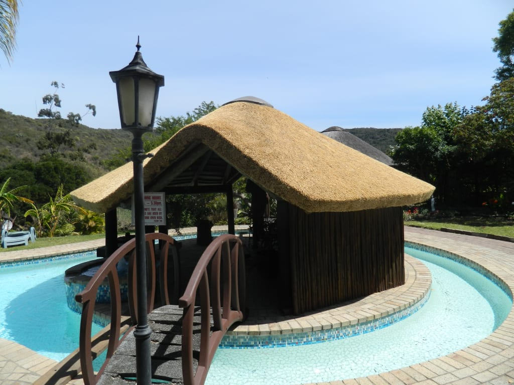 Thatch Lapa Amp Bar By Pool Pool By Cintsa Thatching