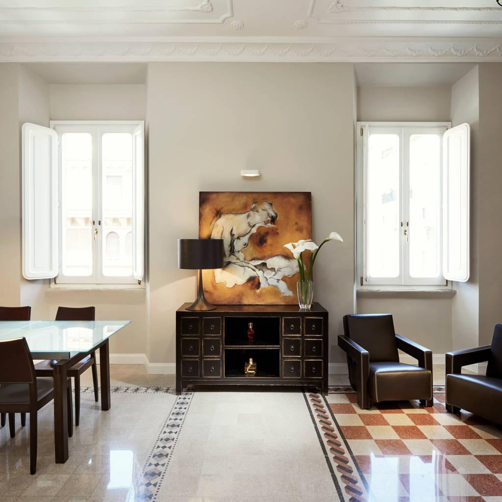 Awesome Soggiorno Emanuela Roma Gallery - dairiakymber.com ...
