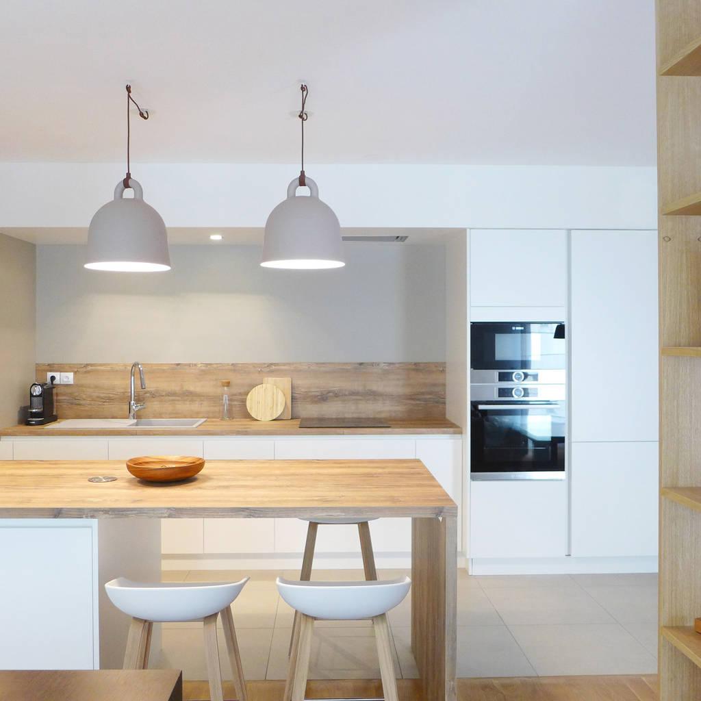 Blanc Bleu Jaune Cuisine Moderne Par Skea Designer Moderne Bois