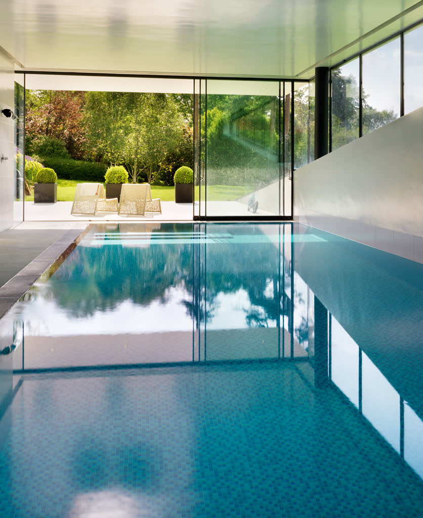 Modern spa photos homify for Basement swimming pool cost
