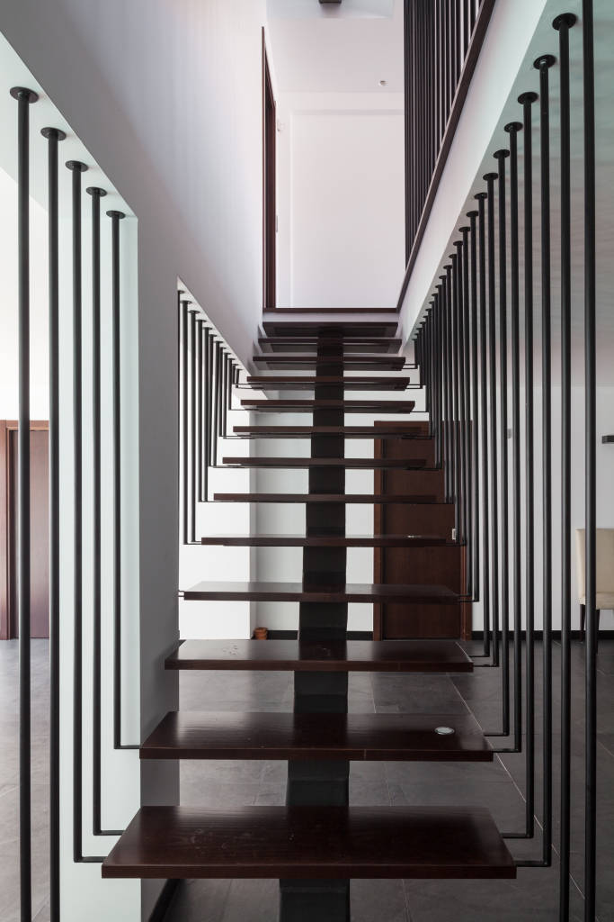 Modern corridor hallway stairs photos by jps atelier for Hallway photos