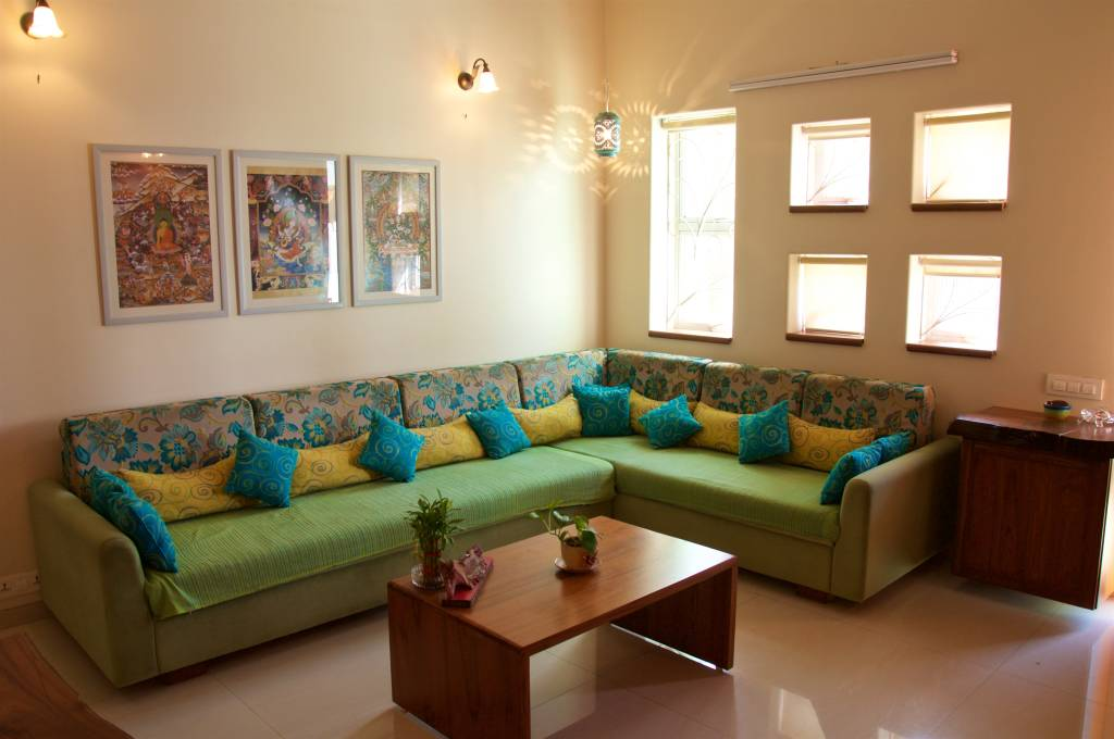 Eclectic living room photos bungalow in bhuj homify for Photo gallery of interior designs